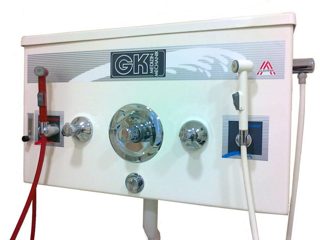 Sprchovací a desinfekční panel s termostatickou regulací teploty