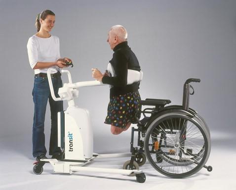 amputace přesun pacienta zvedákem Transit